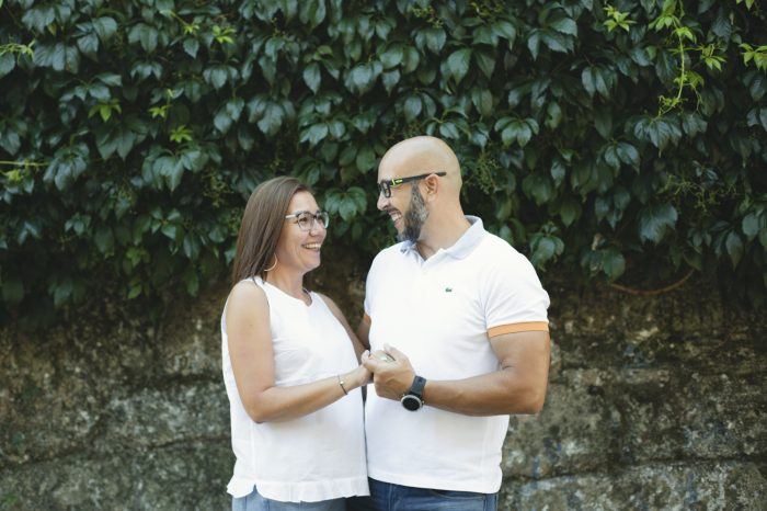 Fotografía pareja en exteriores